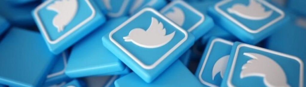 Foto de pequeños cuadritos donde aparece el logo de twitter