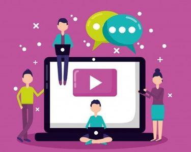 Ilustración de personas sentadas sobre un computador con el logo de YouTube