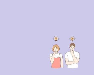 Un hombre y una mujer pensando, con la imagen de una bombilla sobre ellos. Créditos: Freepik
