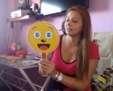 Paola Saavedra en su canal de YouTube