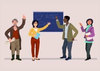 docentes y una pizarra