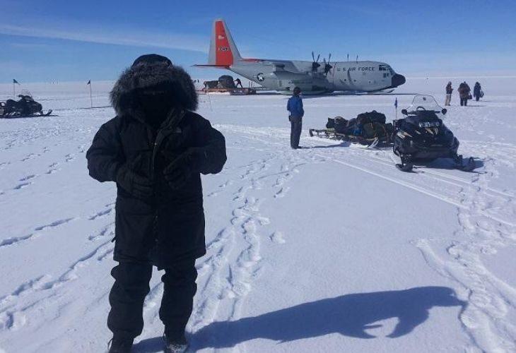 Foto de aeropuerto en la nieve