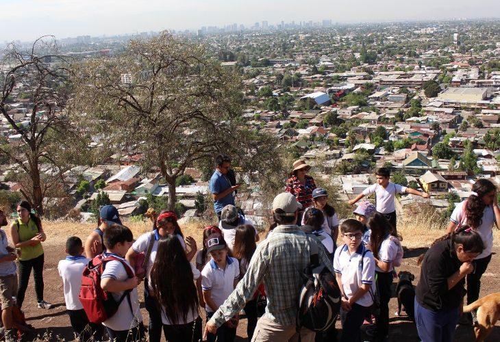 foto de las y los estudiantes en el cerro