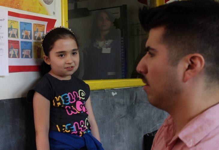 Diego Agurto y una estudiante
