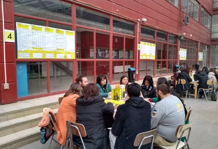 foto de gupos participando en ideas docentes