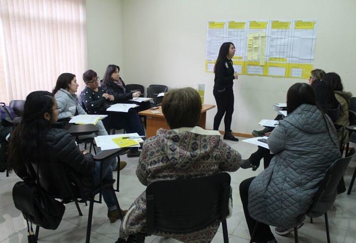 foto personas participando en ideas docentes