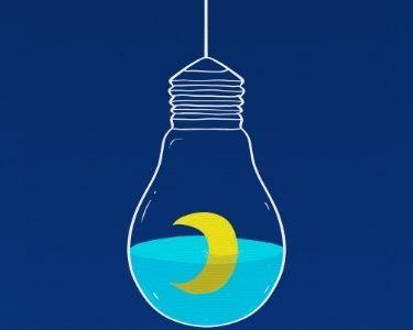 Ilustración de un bombillo con agua y una luna adentro