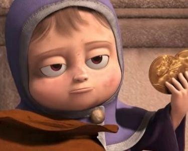 Tippy, la iña que gracias a su talento ganó un saco de monedas, muestra dos de ellas en su mano