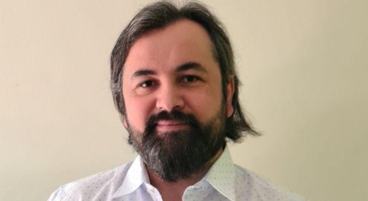 retrato profesor leonardo vasquez