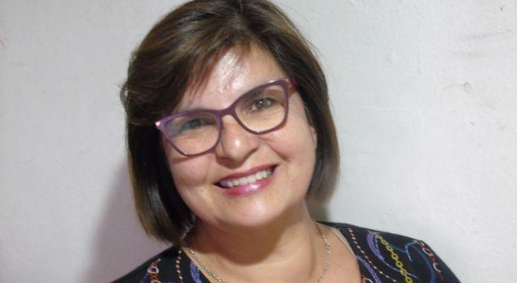 retrato profesora pamela sanchez