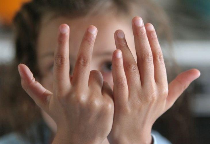 Juego con dedos