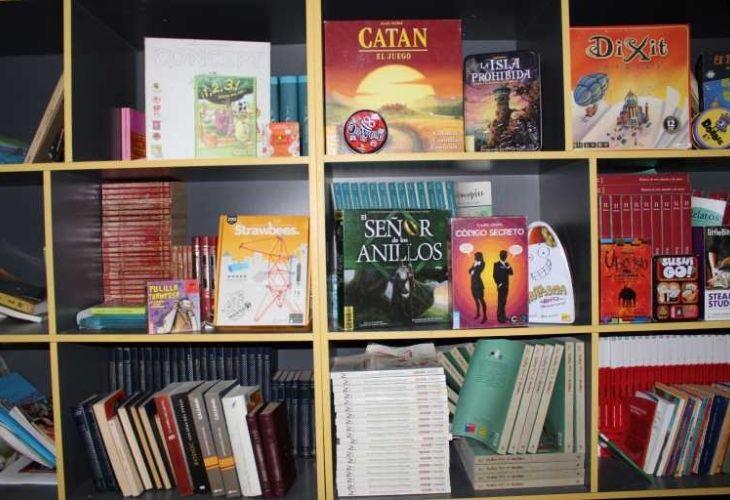 Juegos y libros de ludoteca