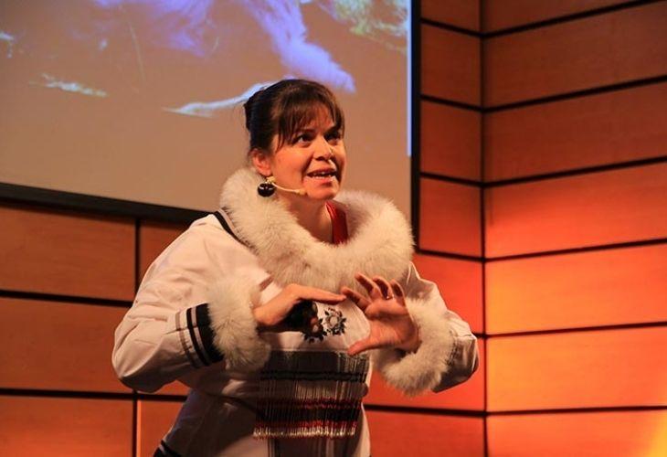 Maggie MacDonnell exponiendo en GTP chile