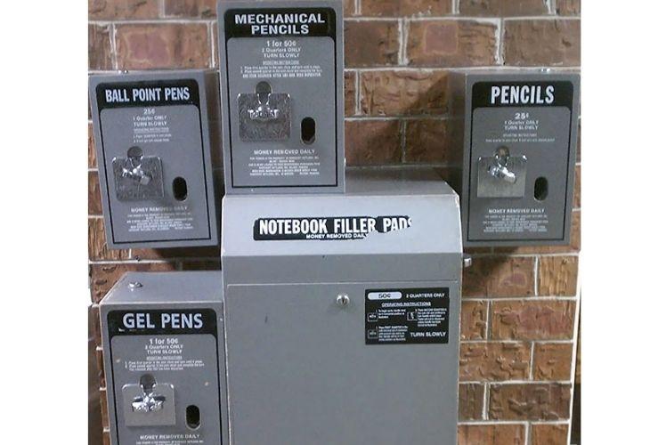 Maquinas con insumos escolares
