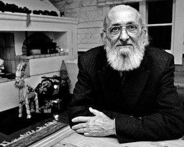 Paulo Freire, un ícono para la educación debido a su innovación en torno a métodos de enseñanza.