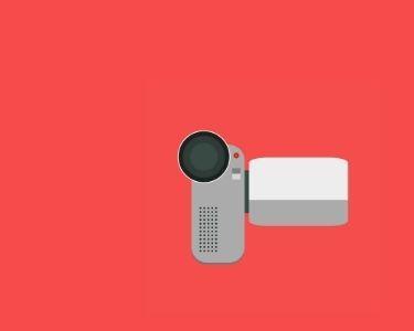 ImageIlustración de una cámara de grabación compacta, ideal para hacer cortometrajes con los estudiantes. Crédito: jangf93 de Pixabay.