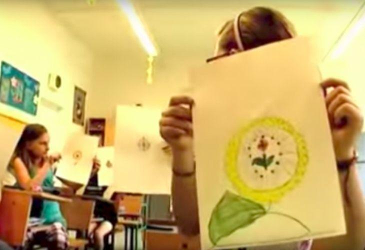 Dibujo de un reloj en forma de flor