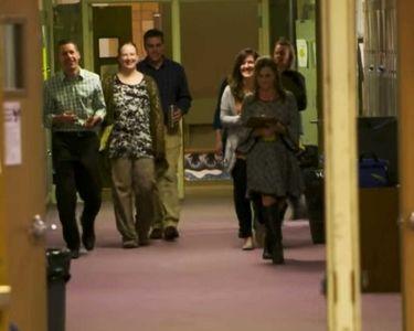 Fotografía de docentes realizando caminatas de aprendizaje