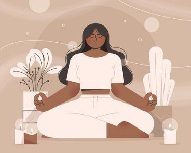 En la imagen se ve una ilustración de una mujer sentada en posición de yoga mientras medita y se relaja
