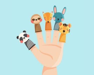 Una mano con títeres que ayudaran a tus estudiantes a experimentar el aprendizaje socioemocinal